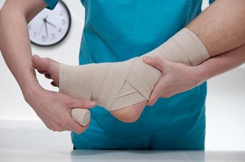tutori distorsione caviglia
